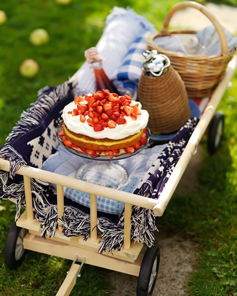 Leilas jordgubbstårta med citron