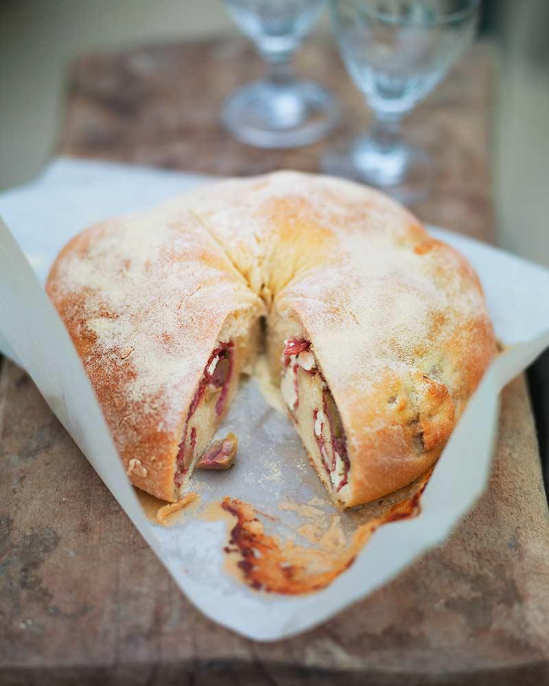 tortano-med-getost-och-salami