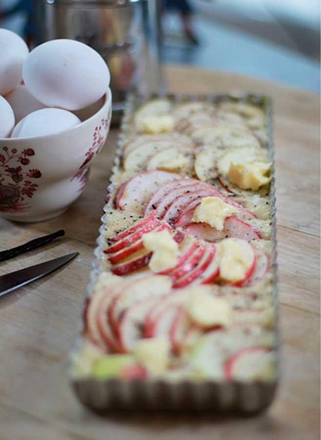 Knäckig äppelkaka - avlång pajform