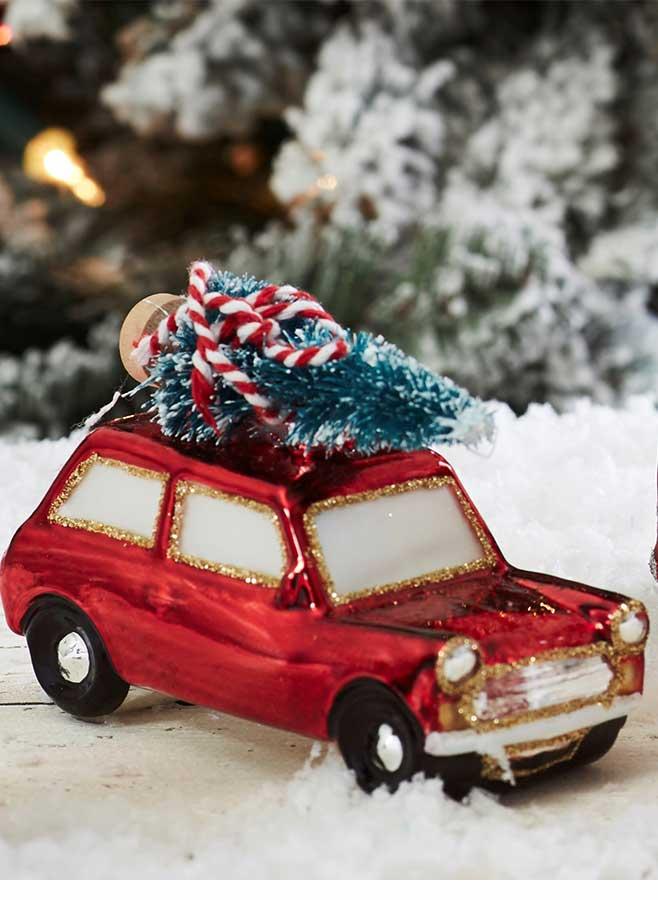 Julgransdekoration – Julkula – Röd bil med gran