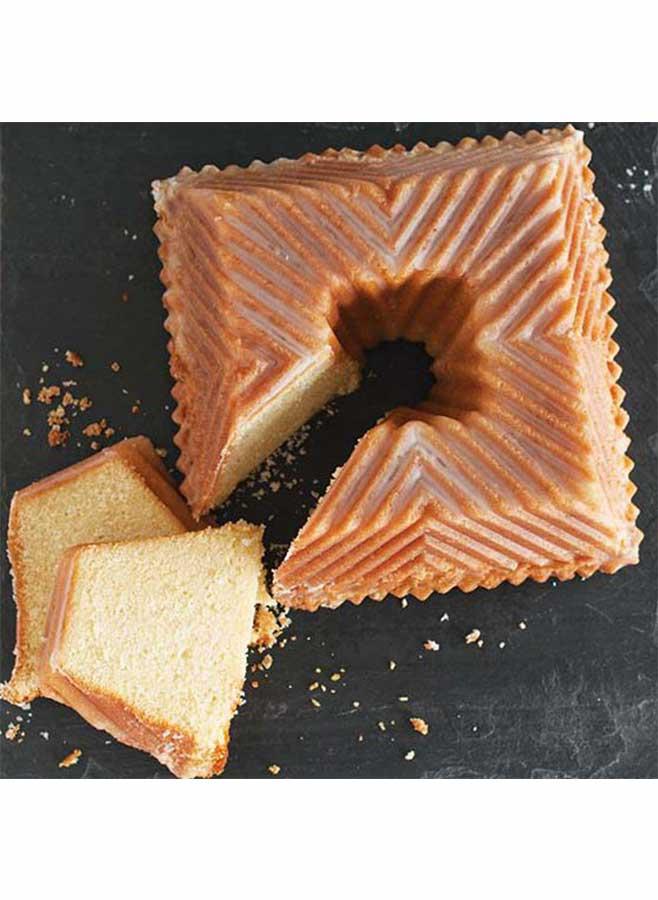 Kaka bakad i Fyrkantig sockerkaksform från Nordic Ware
